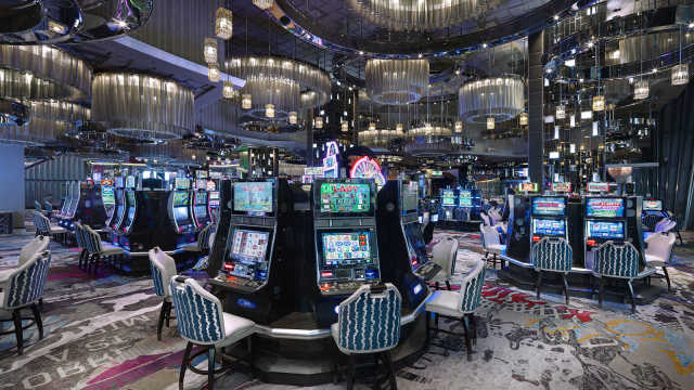 Play Online Slots With Smart Strategies To Win Real Cash